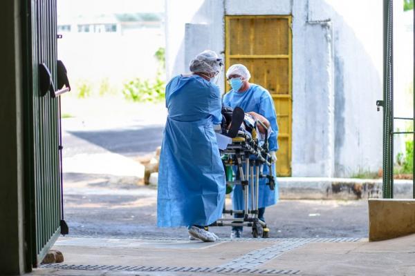 Primeiros pacientes chegam ao Hospital de Campanha Estadual (HCE), no Ginásio Verdão, em Teresina.(Imagem:Divulgação/Sesapi)