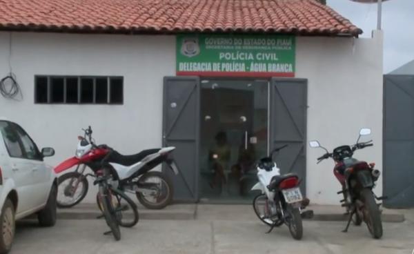 Dupla é presa após tentativa de latrocínio contra vendedor de dindin em Água Branca(Imagem:Reprodução)