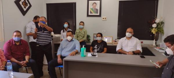 Vereadores de Floriano se reúnem para discutir as dificuldades do HRTN(Imagem:FlorianoNews)