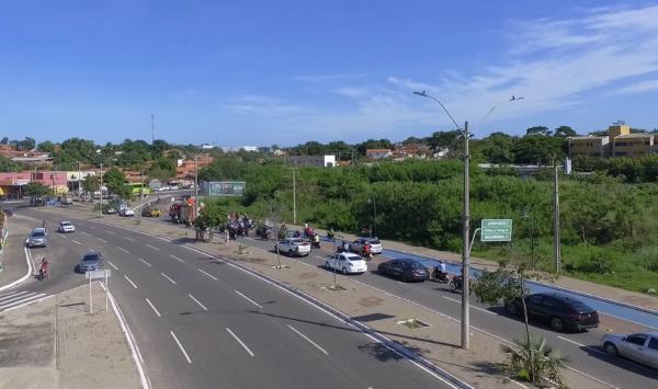 Cortejo em homenagem ao ex-prefeito Firmino Filho percorre todas as zonas de Teresina.(Imagem:Magno Bonfim/TV Clube)