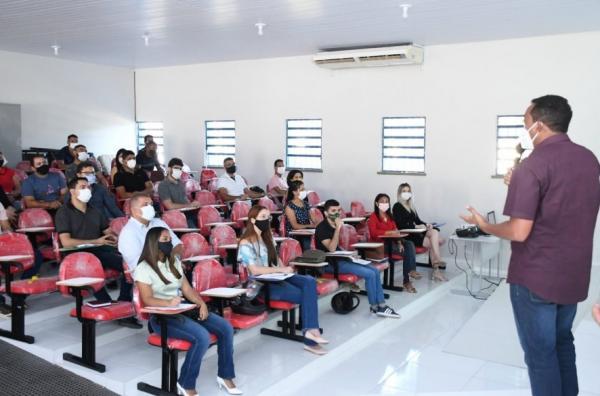Servidores participam de treinamento sobre Contratações Públicas.(Imagem:Secom)