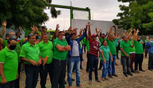 Prefeitura de Teresina recua e decide não pagar tickets para motoristas e cobradores de ônibus(Imagem:Divulgação)