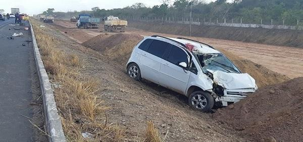 Acidente aconteceu no início da tarde de segunda-feira (21), no Km 12. (Imagem:Divulgação)