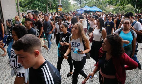 Os novos boletos serão disponibilizados a partir de amanhã.(Imagem:© Fernando Frazão/Agência Brasil)