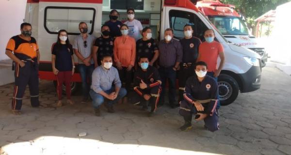 Saúde de Floriano entrega mais uma ambulância ao SAMU.(Imagem:FlorianoNews)