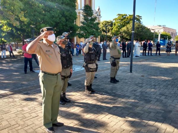 Solenidade de Hasteamento das bandeiras marca comemoração ao aniversário de Floriano.(Imagem:FlorianoNews)