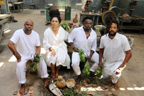Formado em janeiro de 2018, no subúrbio carioca de Madureira, o quarteto Awurê completa três anos de vida em 20 de janeiro de 2021, data em que lança o primeiro EP, batizado com o(Imagem:Reprodução)