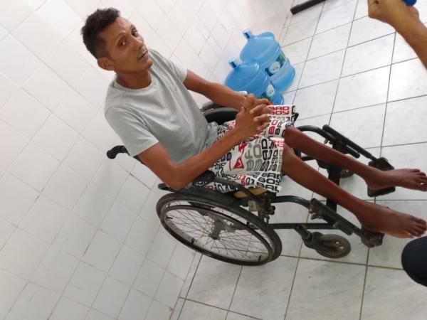 Cristiano Avelino foi preso com arma e drogas no Residencial Alto da Cruz.(Imagem:FlorianoNews)