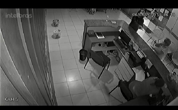 Jovem é alvejada por disparos de arma de fogo em Floriano(Imagem:Reprodução)