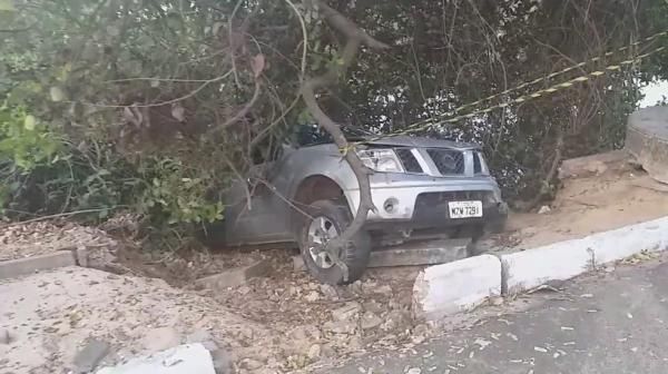 Motorista é presa após atropelar duas pessoas e capotar carro em Teresina(Imagem:Reprodução)