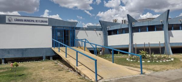 Câmara Municipal de Floriano.(Imagem:FlorianoNews)