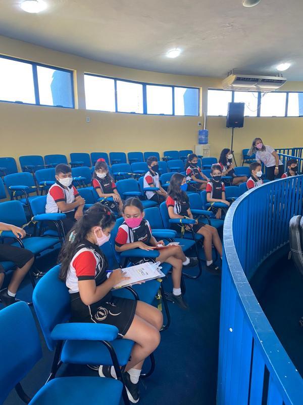 Alunos do Colégio Impacto Kids visita a Câmara Municipal de Floriano(Imagem:Colégio Impacto Kids)