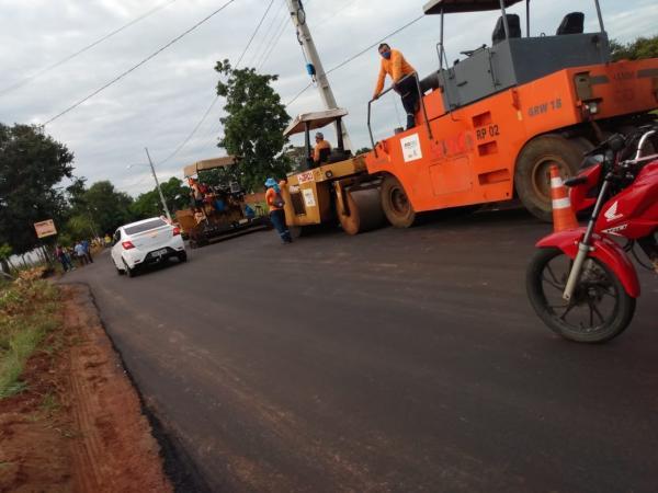 Prefeito Joel Rodrigues visita obra de asfaltamento que dá acesso ao bairro Nossa Senhora da Guia(Imagem:FlorianoNews)