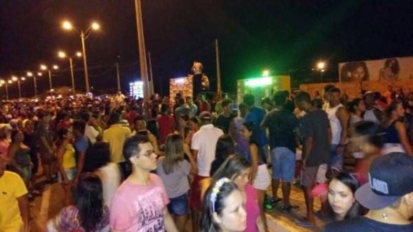 Arrastão dos Paredões marca o terceiro dia de Carnaval em Floriano.(Imagem:SECOM)