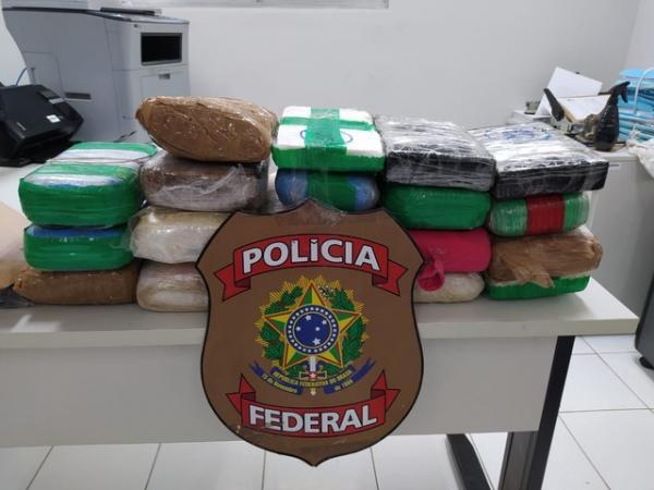 Carga de maconha e cocaína foi encontrada em fundo falso de carro em Parnaíba.(Imagem:Divulgação Polícia Federal)
