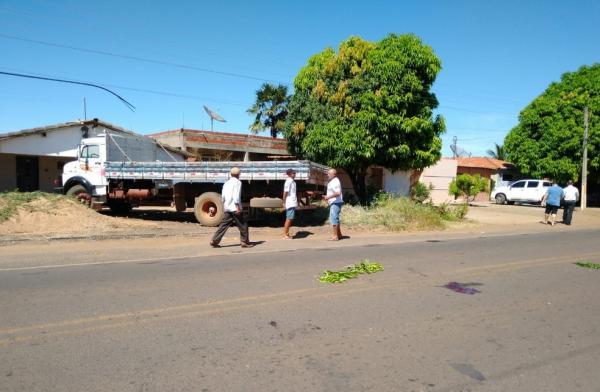 Idoso morre em grave acidente de moto na PI-238, no Sul do Piauí.(Imagem:Antonio Rocha/TV Clube)