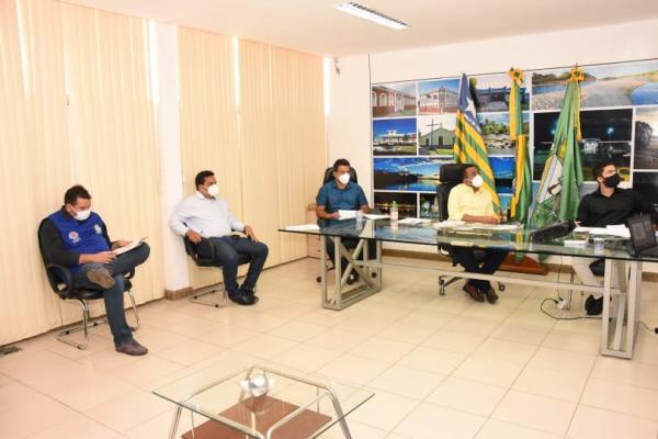 Novas decisões sobre a retomada da economia são motivadas pela ocupação de leitos em Floriano.(Imagem:Secom)