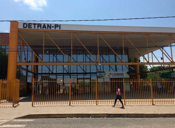 Detran-PI retoma serviços por agendamento eletrônico.(Imagem:IzabellaPimentel/CidadeVerde.com)