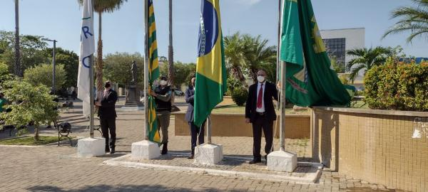 Floriano comemora Dia da Independência com Hasteamento de Bandeiras(Imagem:FlorianoNews)