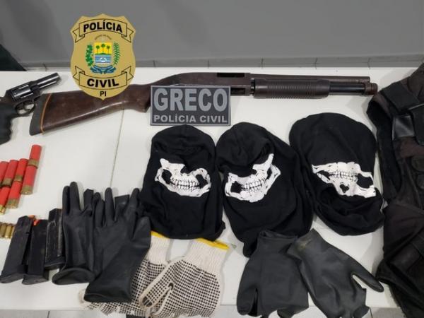 Polícia Civil apreendeu armas e munições com suspeitos de ataques a caixas eletrônicos em Teresina.(Imagem:Divulgação/Polícia Civil)