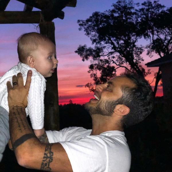 Thammy Miranda e o filho, Bento.(Imagem:Reprodução/Instagram)