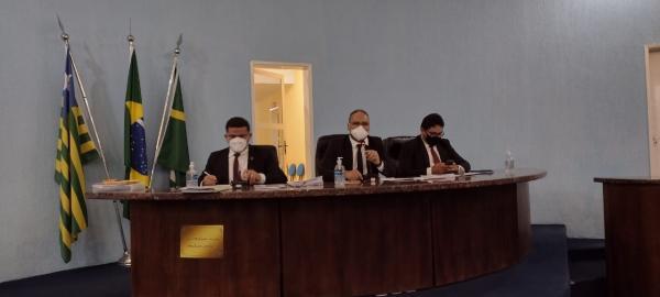 Câmara Municipal de Floriano suspendeu a sessão desta segunda (20)(Imagem:FlorianoNews)