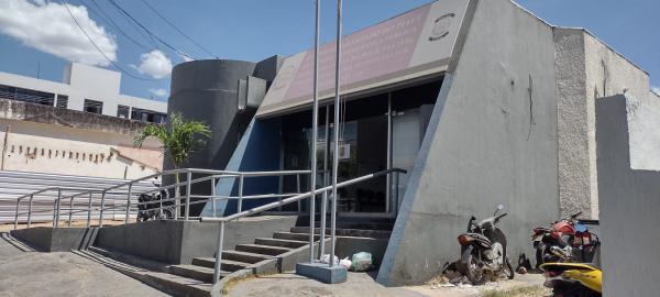 Homens armados invadem residência em Floriano(Imagem:FlorianoNews)