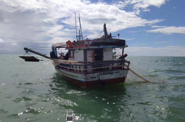 Polícia Federal flagrou barcos praticando pesca ilegal no Litoral do Piauí.(Imagem:Divulgação/PF)