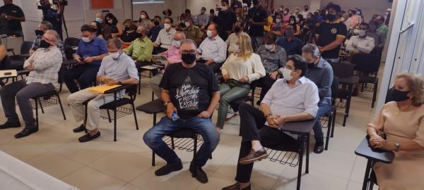 Encontro com empreendedores de Floriano teve a presença do ex-senador João Vicente Claudino(Imagem:FlorianoNews)